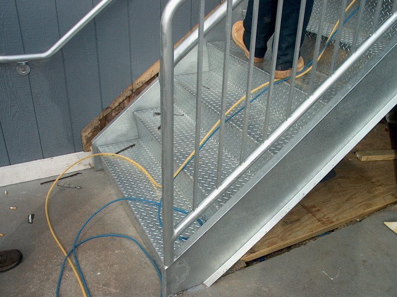 custom-galvanized-stairs-railings (14)