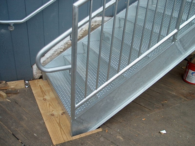 custom-galvanized-stairs-railings (16)