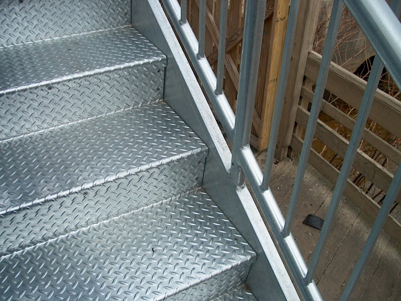 custom-galvanized-stairs-railings (17)