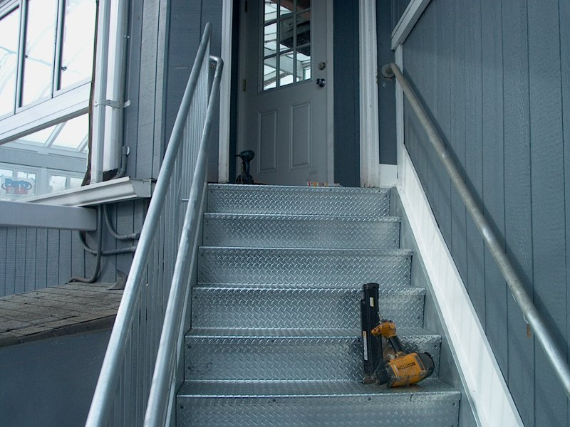 custom-galvanized-stairs-railings (7)